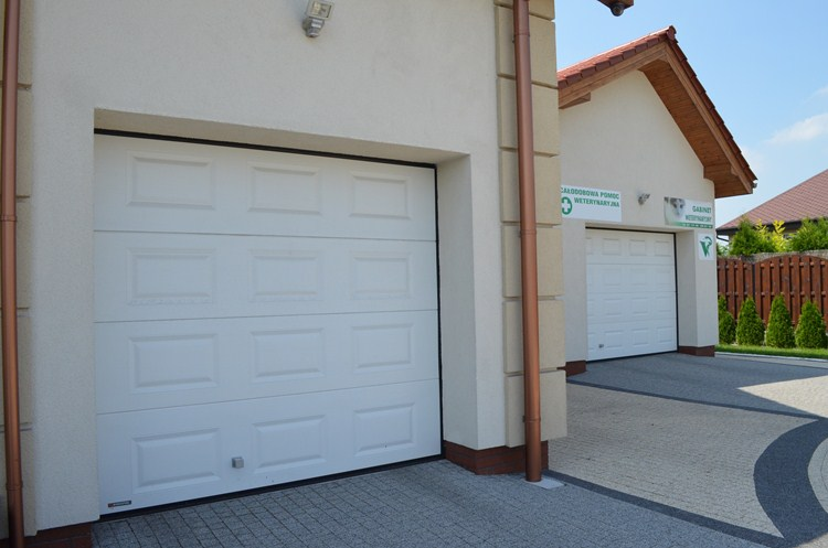 sektionaltore vente k2 rc garagentore aus polen. Black Bedroom Furniture Sets. Home Design Ideas